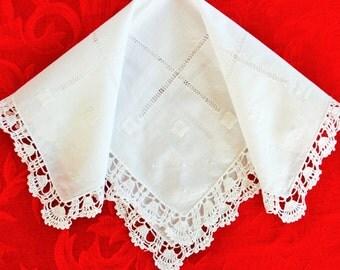 1950s white crochet lace & embroidery ladies handkerchief hankie / romantic retro wedding bridal / something old
