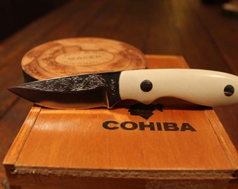 leather knife sheath handmade pancake style knife holster. Black Bedroom Furniture Sets. Home Design Ideas