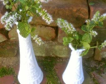 Vintage Floral Vase Milk Glass Anchor Hocking Vase Set / Stars & Bars Bud Vases / Thousand Line Pattern