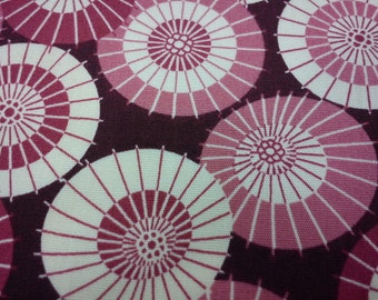 Retro umbrellas, burgundy, fat quarter, pure cotton fabric