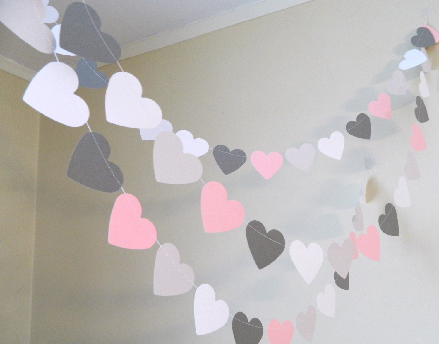 Paper heart garland 10ft pink gray and white paper hearts for Baby mobile pink and grey