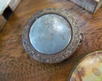 Victorian Compact Mesh Bottom Ladies Vanity FIND