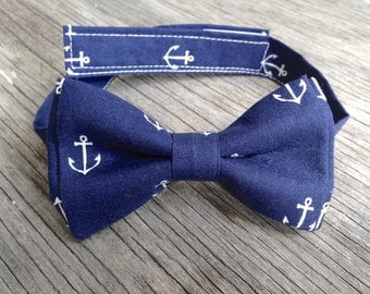 Navy Bowtie -- Anchor Bow Tie -- Nautical Tie -- Boys Navy Bow Tie -- Mens navy bow tie -- delta gamma bow tie