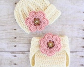 Newsboy Cap and Diaper Cover Set in Cream with Removable Flowers, Newborn Photography Prop