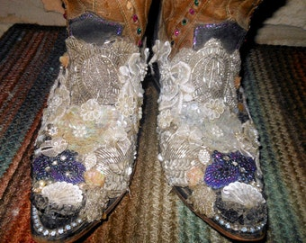 Vintage Embellished Cowgirl Country Western Boots Texas Brand size 6 to 6 1/2