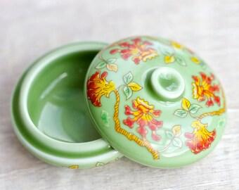 Green Small trinket Box - Ring Holder - Del Prado Fine Porcelain - Hand Finished - Vintage Boho Home Decor