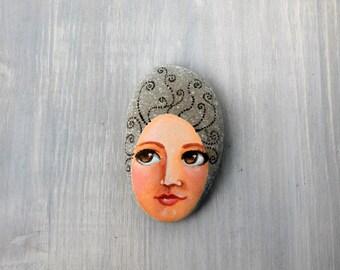 Painted stone n.50. Beach pebbles art. Painted pebbles