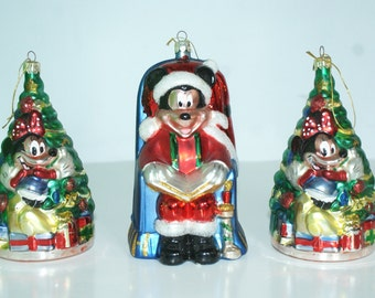 Mickey Mouse Lover Trio of Christmas Ornaments. Three Mickey Mouse Tree Ornaments. Stamped Disney. Navidad