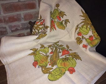Vintage Square Linen Vegetable and Fruit  Print Tablecloth, Linen Table Cloth, Vintage Kitchen, Vintage Dining, Vintage Linens