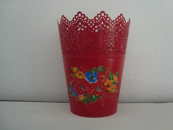 Red Metal Planter: Red Metal Planter Flower Pot Shabby Chic Garden