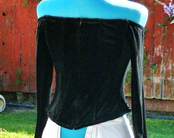 black boned velvet off the shoulder top size med bust 36