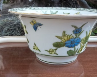 Vintage Hand Painted Andrea by Sadek Gold Trim Serving Bowl, Made in Japan