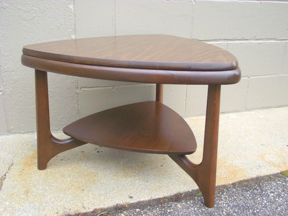 mid century brasilia style coffee table guitar pick adrian pearsall styling triangle by mersman. Black Bedroom Furniture Sets. Home Design Ideas