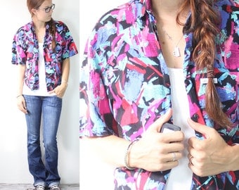 SALE Vintage Retro Bright Hawaiian Flower Button Up Collared Shirt