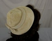 Vintage Hattie Carnegie 1960s Cream Colored Fur Hat with Band and Bow
