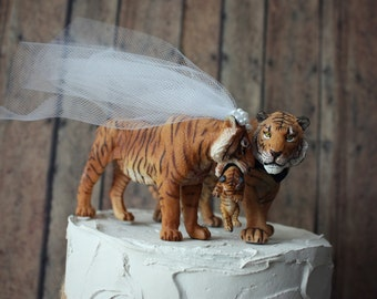 Tiger wedding cake topper-tiger lover-tiger-wedding-animal-wedding cake topper-cat-cat lover-bride and groom-jungle-custom-family