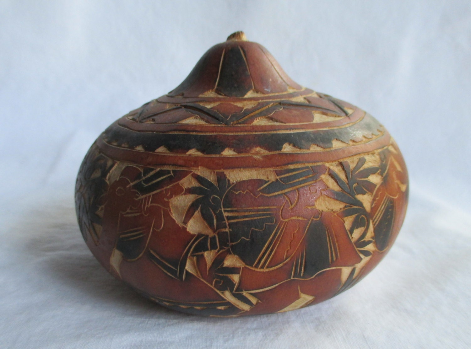 Hand Carved Gourd Vintage South American Peruvian Trinket