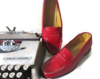 Vintage Womens Red Shoes Size 7-8  Red Leather Loafers Vintage Red Penny Loafers  Red Leather Slip On  Shoes Size 7-8  Retro Fire Engine Red
