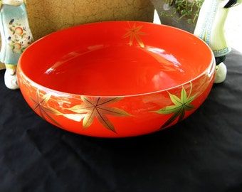 Red Lacquerware Bowl with Gold Maple Leaves