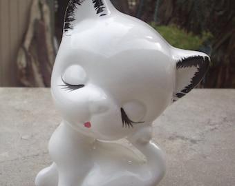 White Cat Figurine  ~  Kitten Figurine  ~  White Kitten Figurine