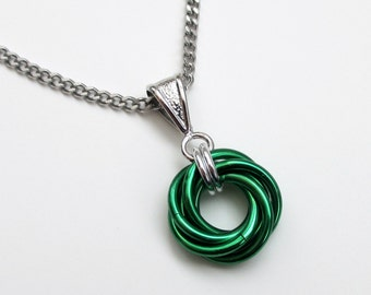 Green Love Knot chainmail pendant necklace