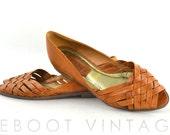 Vintage 80s Brazilian Woven Leather Open Toed Sandal Flats / 6