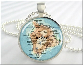 Hawaii Map Pendant, Resin Map Charm, The Big Island Hawaii Pendant, Travel Map Necklace, Picture Jewelry, Round Silver Pendant (360RS)