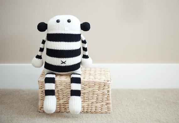 Cecil: Amigurumi Stuffed Animal Plush Monster Toy