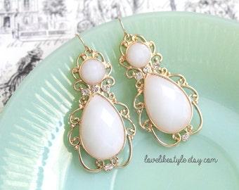 Ivory Stone Chandelier Earrings, Bridal Ivory Earrings, Bridesmaid Ivory  Eearrings.