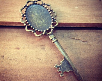Large Blank Skeleton Key Charms in Antique Bronze vintage style Pendant Ornate Fancy Victorian  (BC076)