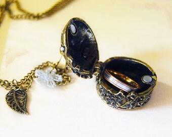 Memorable - a vintage floral box locket necklace