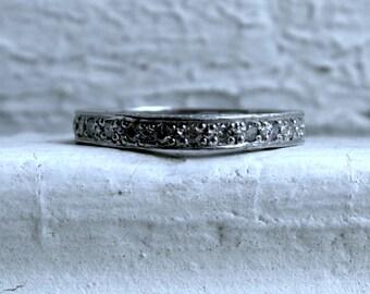 Vintage Etched Platinum Diamond Eternity Wedding Band - 0.69ct.