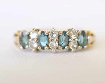 1970's vintage / Blue Topaz and Cubic zirconia engagement/ stacking 9k gold ring // BLUESTAR