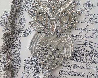 Vintage Silver Tone Rhinestone Eye Large Owl Bird Pendant Necklace