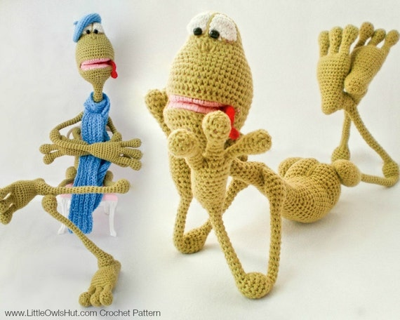 002 Frog Kvak toy with wire frame. With 3 hats and scarf - Amigurumi Crochet Pattern - PDF file by Astashova Etsy
