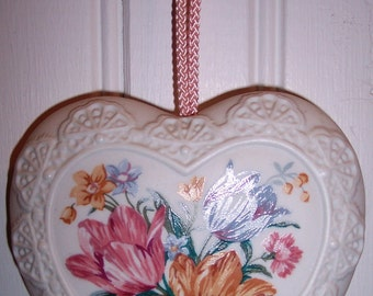 Vintage Avon Porcelain Closet Pomander or Ornament