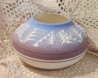 Vintage Native American Navajo Pottery Bowl or Planter, Signed D. Lee