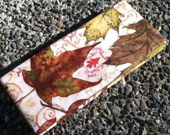 Magic Wallet - Autumn Leave and Batik Interior