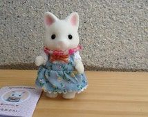 Sylvanian Family Cute Cat with a Handmade Necklace.Assembled