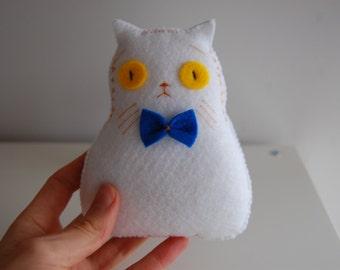 Lonely white cat handmade plush doll