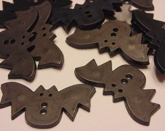 5 large flat bat buttons, 38 x 18 mm (5)