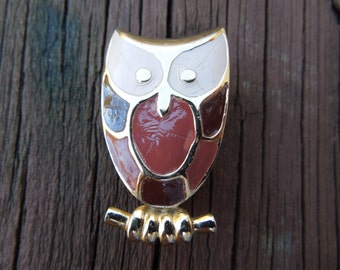 Vintage Owl Brooch / Pin.  Gold Tone with Enamel Paint.