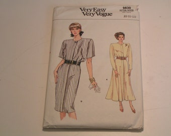 Vintage Vogue Pattern 9830 very easy Miss Dress