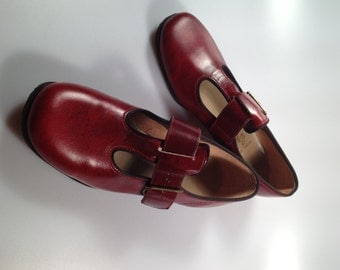 Girls Vintage T STRAP Shoes Oxblood Red 1960s/70s Vintage Never Worn Deadstock with Box