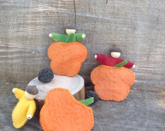 Felt pumpkin beds