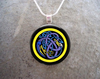 Celtic Jewelry - Glass Pendant Necklace - Celtic Decoration 17