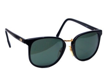 Vintage Ray Ban Bausch and Lomb Black Traditionals W0926 Sunglasses