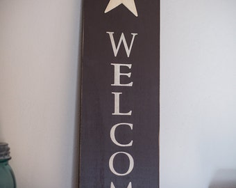 Wooden Welcome Sign with Star & Wire