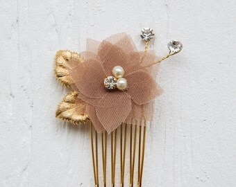 Chiffon flower hair comb,  bridal headpiece, bridesmaid accessories, bridesmaid gift, chiffon bridal comb, bridesmaid hairpiece, flower comb