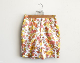 Vintage XS White Floral High Waisted Shorts